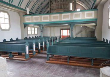 Kirchenbänke Grafenwöhr, evangelische Kirche